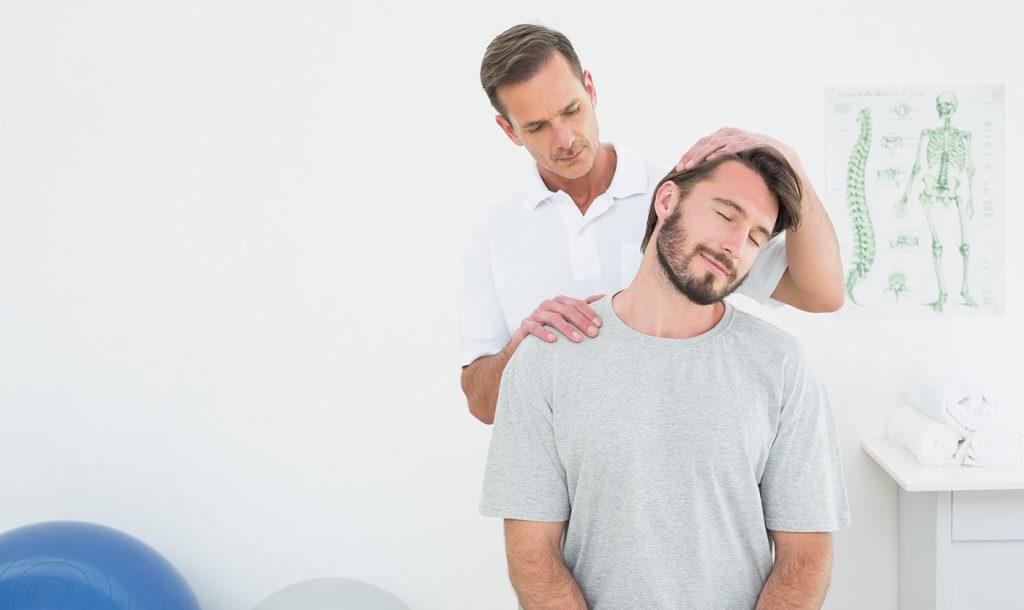 Suchen Sie in einem Chiropraktiker