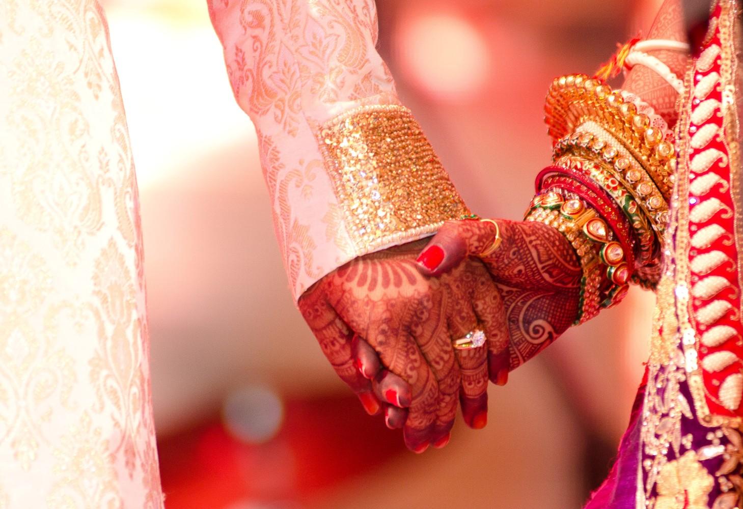 Verschiedene Dienste von Ehe-Sites